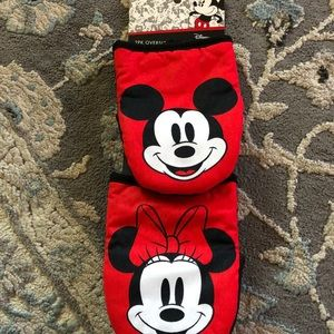 Disney Mickey and mini mouse mini oven mitts